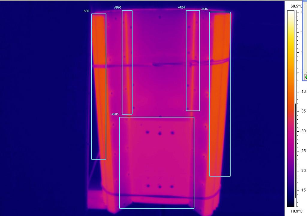 Термография части светильника после прогрева в рабочем положении. Боковые радиаторы: области AR01, AR02, tmax =37°С; места стыковки боковых радиаторов с центральным: области AR03, AR04, tmax =35°С; область AR05, tmax =34°С. Температура окружающей среды = 15°С