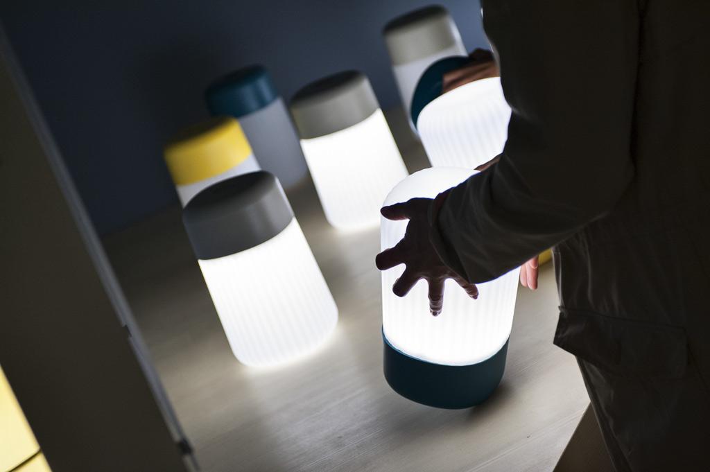 На стенде компании FontanaArte в рамках выставки Euroluce-2013. Оформление стенда – Лука Ничеттто.