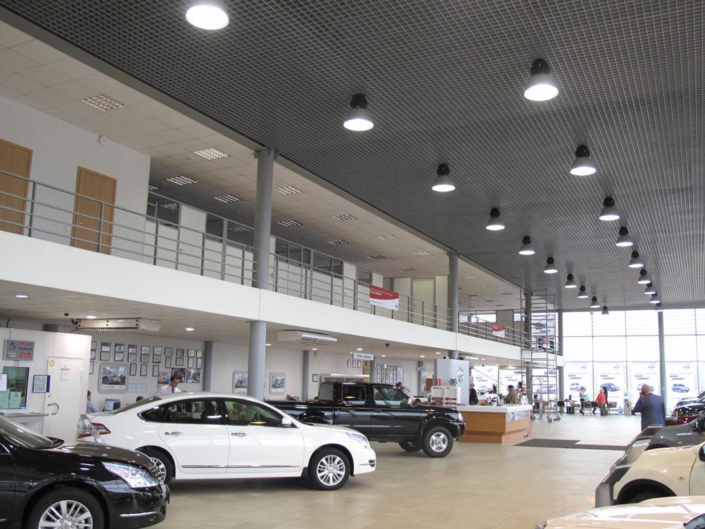 Cистема освещения индукционными светильниками ремонтных зон и выставочных залов у одного официальных дилеров NISSAN в России – NATCGROUP