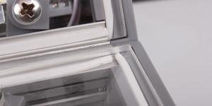 «Аккуратность» укладки силиконового уплотнителя