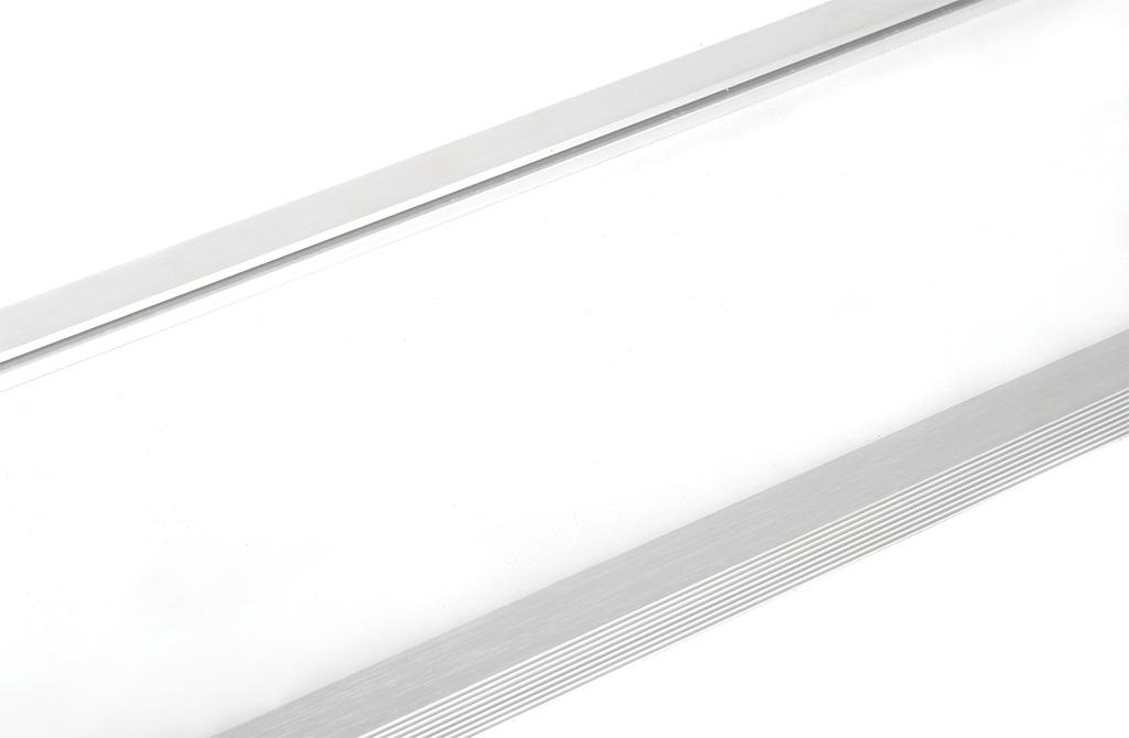 Светодиодный офисный светильник ДСО1001 IEK крупным планом