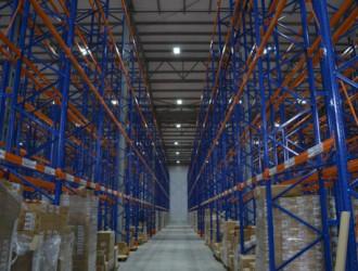 Завод «Кириешки» в Павловском Посаде, складское помещение. Использованы светильники GALAD ДСП01-120-001