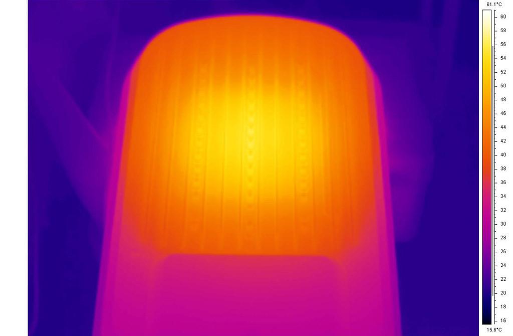 Термография радиатора светильника после 2 ч работы. Максимальная температура на радиаторе: 56°С