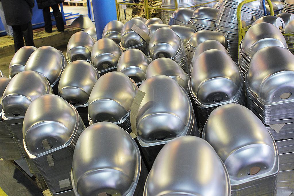 Отражатели из анодированного аллюминия, монтируемые внутрь светильников