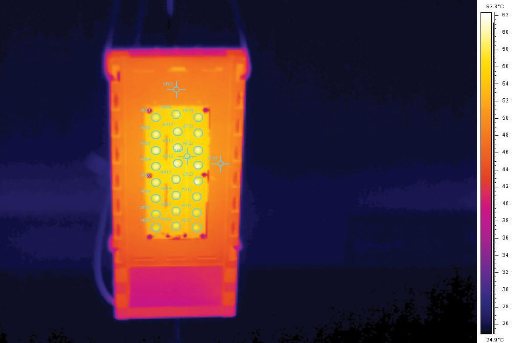 Термография светильника Уран 1C 56-7000 после прогрева со снятой групповой линзой