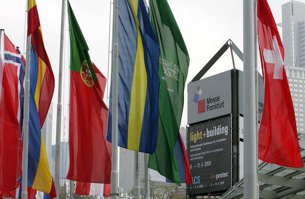 Россия на Light Building 2012. Популярность выставки год от года возрастает. А число экспонентов и посетителей растет в геометрической прогрессии