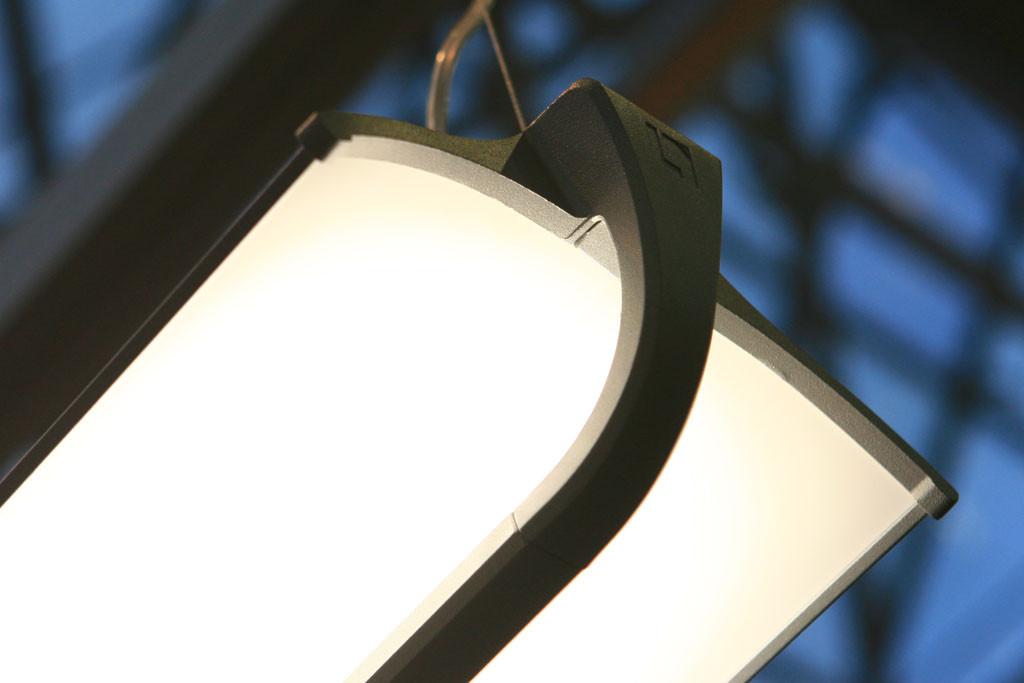 Подвесной офисный светодиодный светильник с отраженным светом
