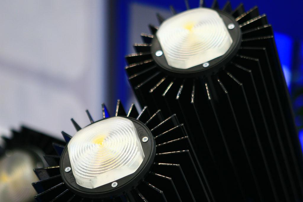 Мощный светодиодный промышленный светильник на COB