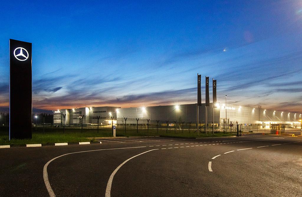 Philips Lighting и «Мерседес-Бенц РУС» задают инновационные стандарты качества складского освещения
