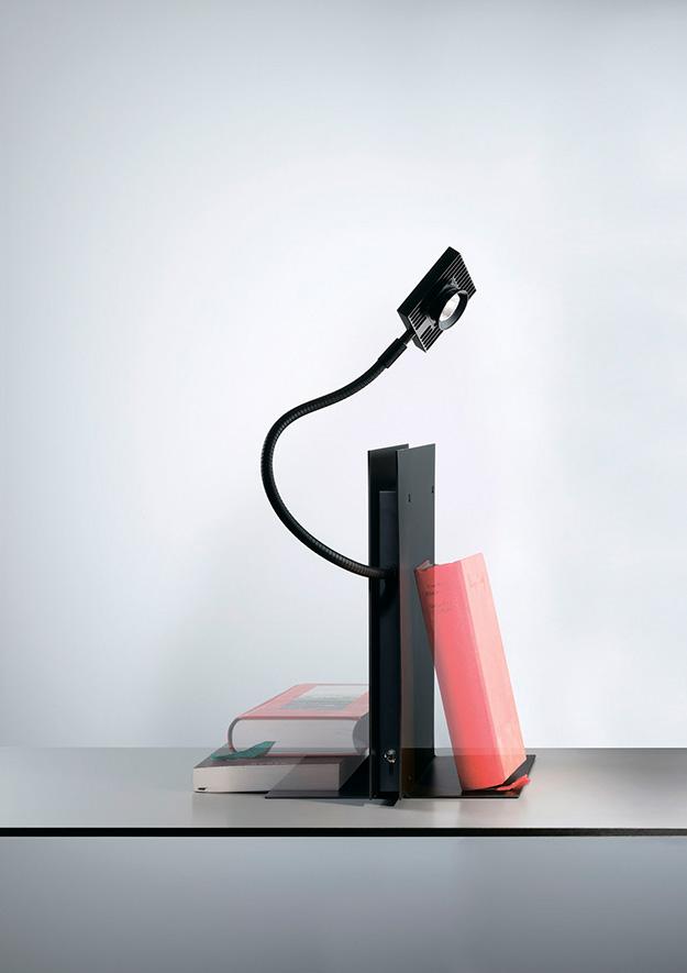 Одна из самых футуристичных моделей — Zak Zarak. ©Ingo Maurer GmbH
