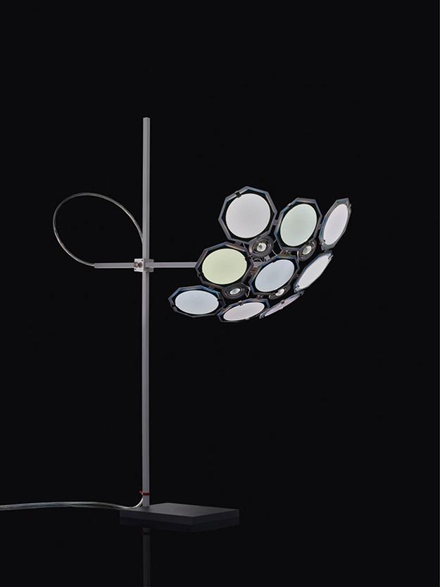 Инго Маурер был одним из первых, кто стал работать с OLED. ©Ingo Maurer GmbH