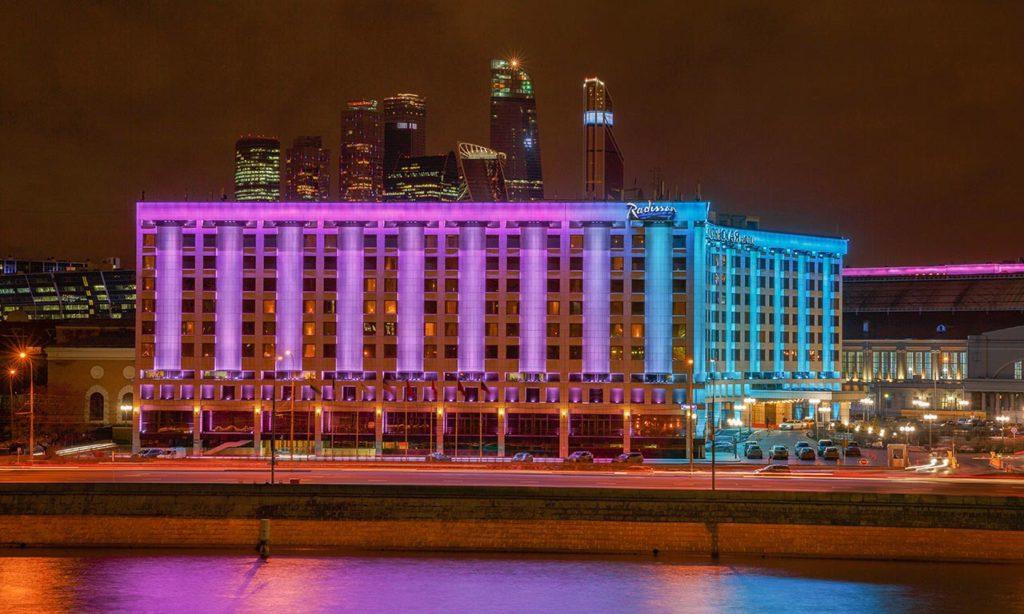 Освещение гостиницы «Radisson Славянская»: новый ночной облик