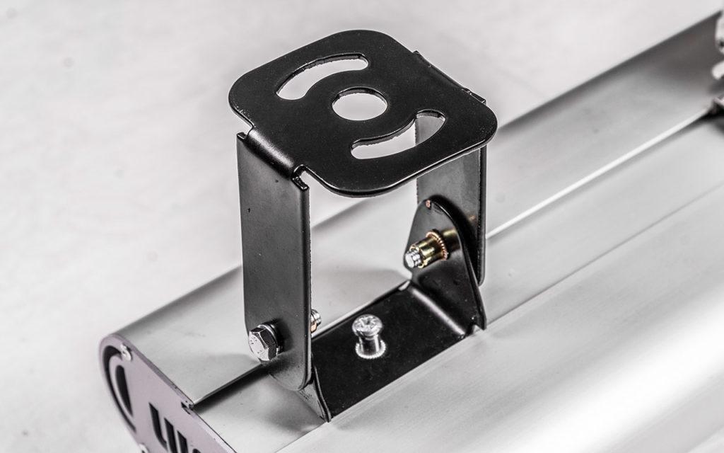 Крепежный элемент светильника LMX-65-10000 крупным планом