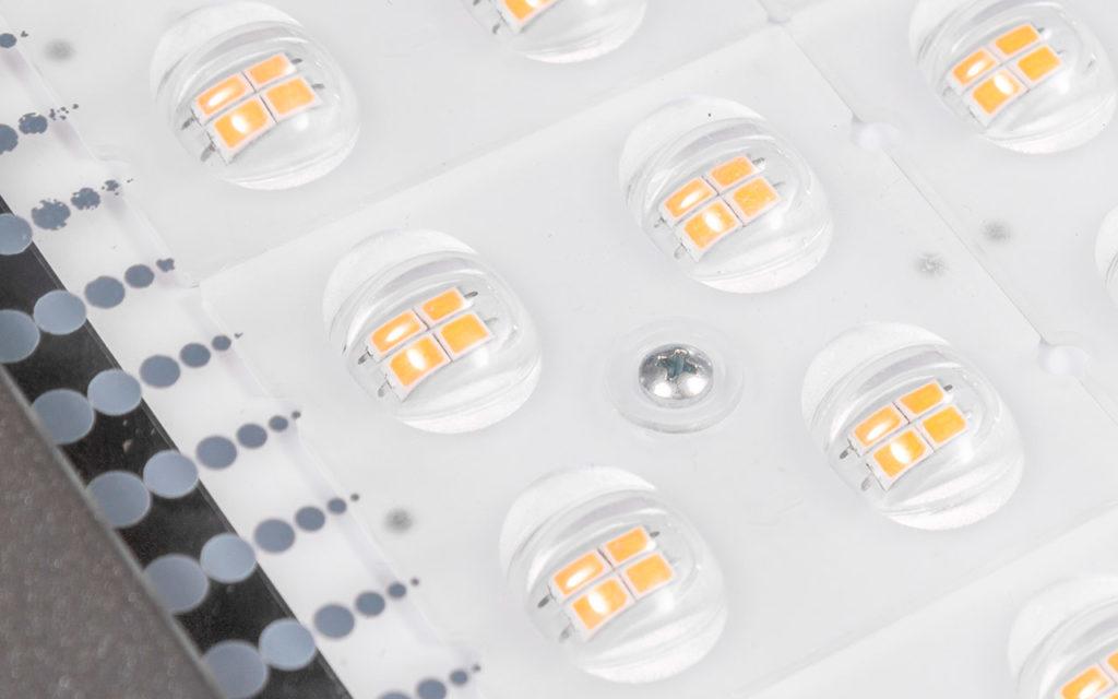 Оптический блок светильника LED LuxON Bat 150W-LUX крупным планом