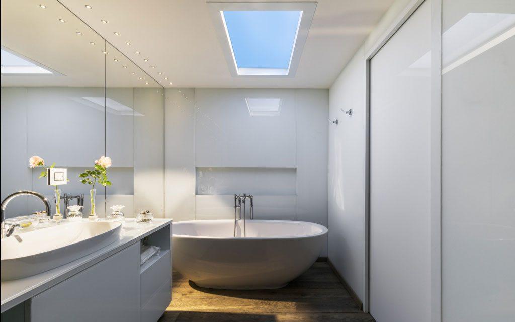 Система CoeLux в ванной комнате