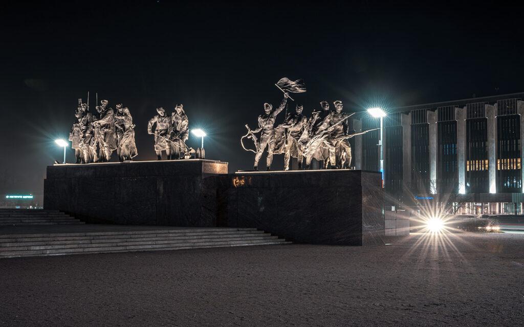 Модернизация уличного освещения и подсветки мемориала на площади Победы