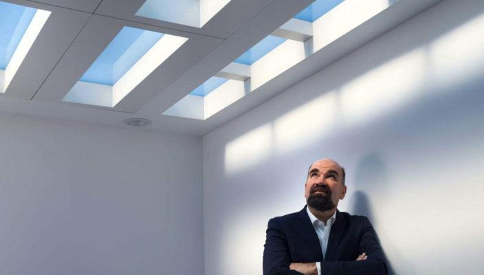 Создатель систем CoeLux, имитирующих окно с солнцем и небом, выступит с лекцией в Москве
