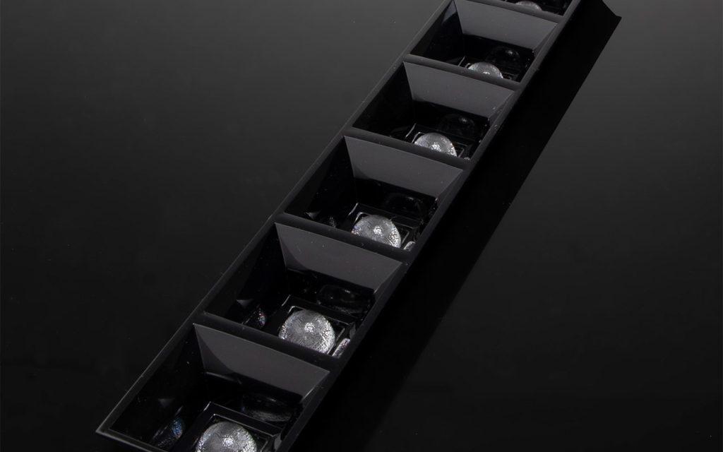 Новые групповые линзы DAISY-7X1 от LEDIL для светильников с высокой энергоэффективностью и низким слепящим воздействием