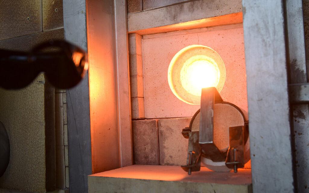 Первое в России производство увиолевого стекла для безозоновых бактерицидных ламп